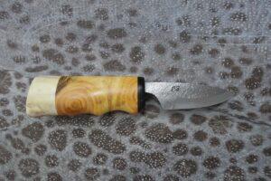 Knife 4987