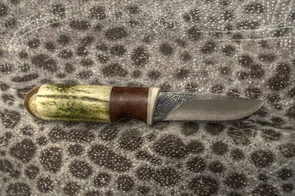 knifemaker