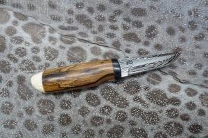Hunting and camping knife no. 5681